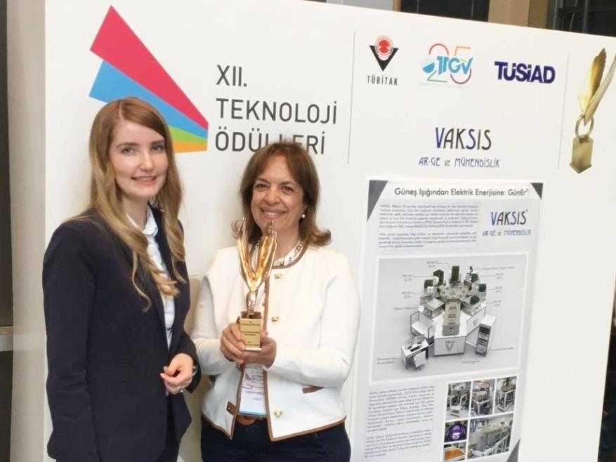 Vaksis XII. Teknoloji Ödülü'nü Aldı